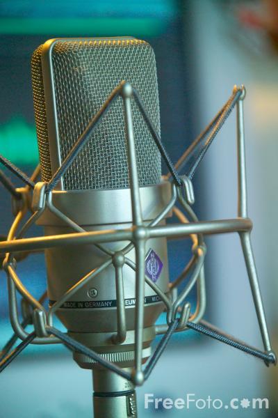 11_41_75---Neumann-Microphone_web